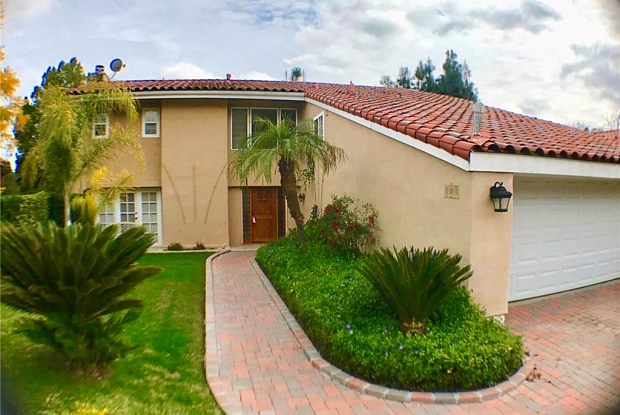 23261 Park Ensenada - 23261 Park Ensenada, Calabasas, CA 91302