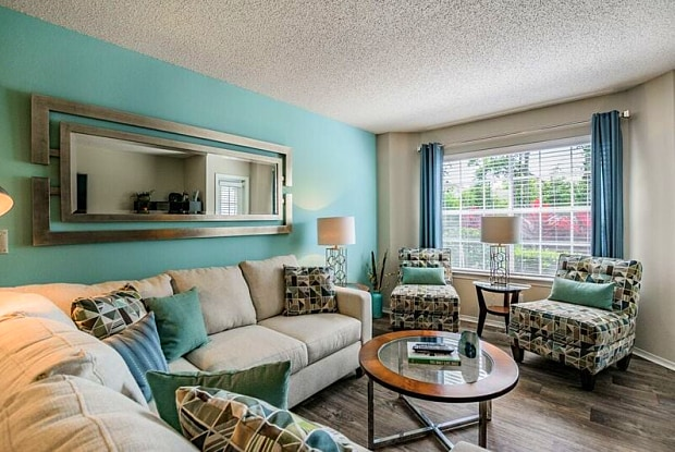 The Enclave At Lake Underhill - 4004 Lake Underhill Rd, Orlando, FL 32803