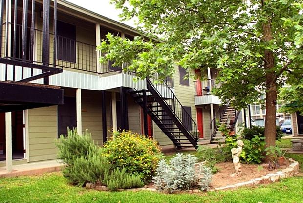 Tambaleo 2207 - 2207 S 5th St, Austin, TX 78704