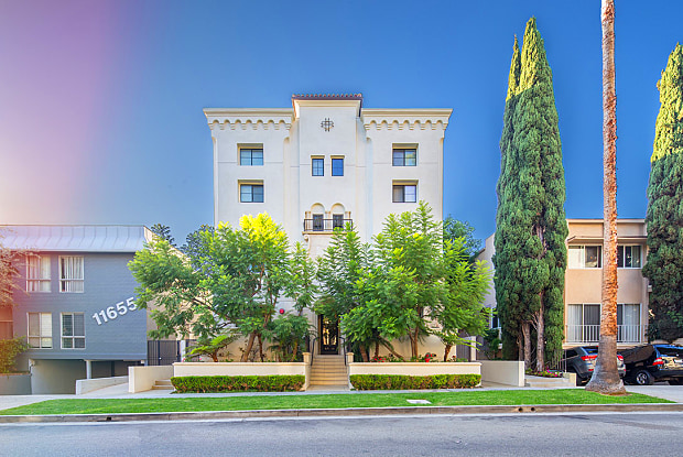 NMS 11649 Mayfield - 11649 W Mayfield Ave, Los Angeles, CA 90049
