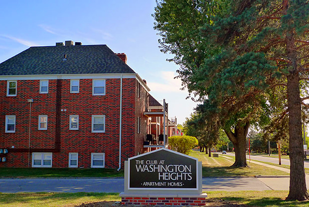 The Club at Washington Heights Apartments - 4101 Woodland Plz, West Des Moines, IA 50266