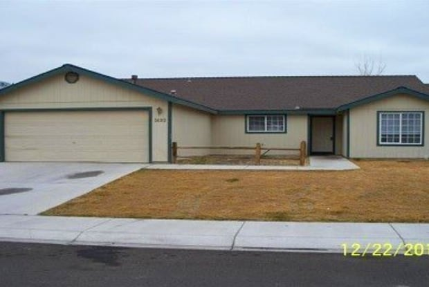 1692 Round Up Road - 1692 Round up Road, Fernley, NV 89408