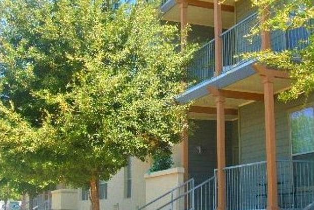 Refugio Place - 300 Labor St, San Antonio, TX 78210