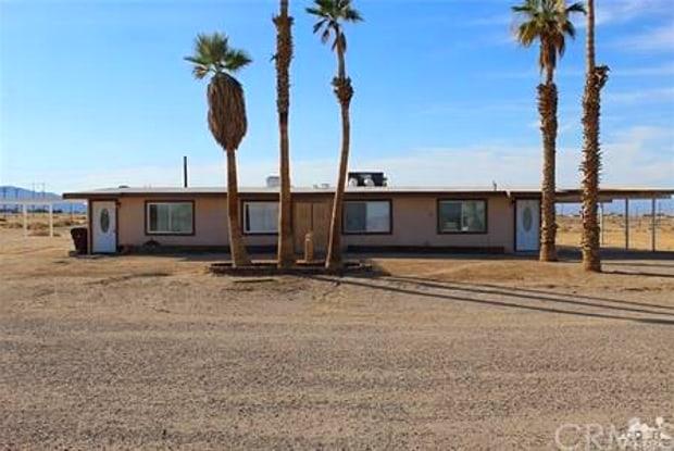 1094 La Paz Court - 1094 La Paz Court, Victorville, CA 92395