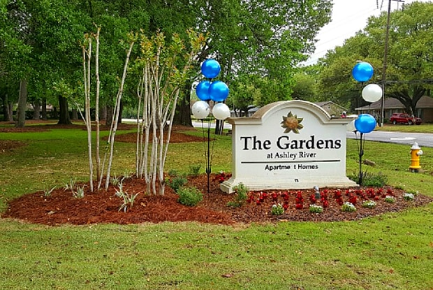 The Gardens at Ashley River - 1840 Carriage Ln, Charleston, SC 29407