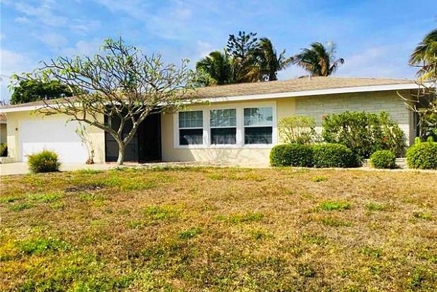 5804 SW 1st PL - 5804 Southwest 1st Place, Cape Coral, FL 33914