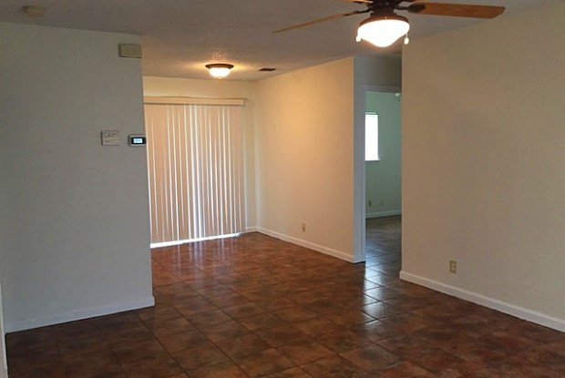 4915 SWANN LN - 4915 Swann Lane, Kirby, TX 78219