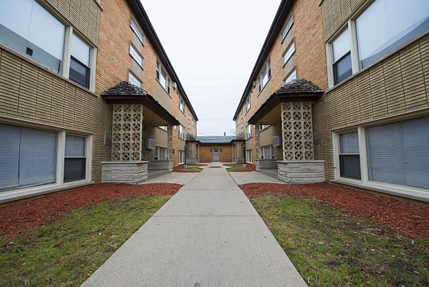 304 East 147th Street - Pangea Apartments - 304 E 147th St, Harvey, IL 60426