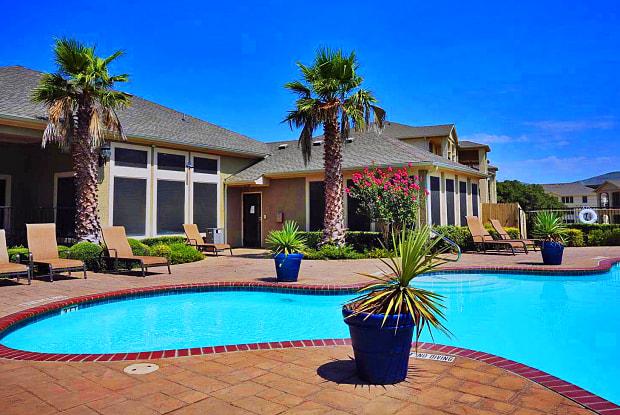 Estates TPC Parkway - 5707 TPC Pkwy, San Antonio, TX 78261