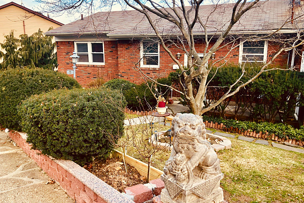 96 Longview Road - 96 Longview Road, Staten Island, NY 10304