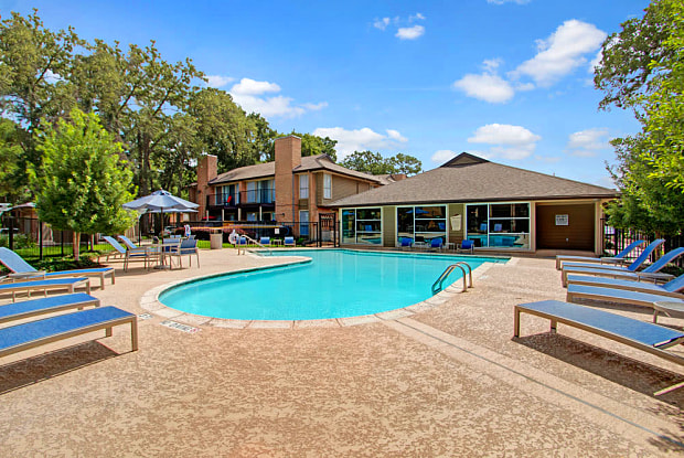 Lakeside Place Apartments - 201 Wilcrest Dr, Houston, TX 77042