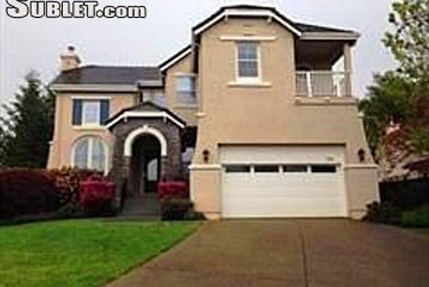3716 Stanhope Ct - 3716 Stanhope Court, Santa Rosa, CA 95404