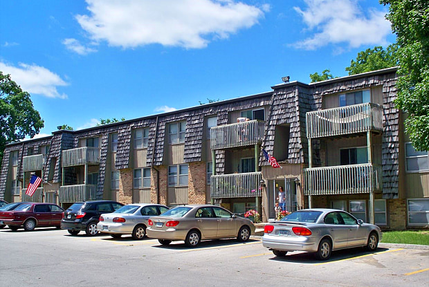 The 4220 Grand Apartments - 4220 Grand Ave, Des Moines, IA 50312