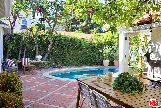 9019 LLOYD Place - 9019 W Lloyd Pl, West Hollywood, CA 90069