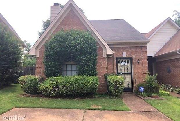 1604 Smokehouse Dr - 1604 Smokehouse Drive, Memphis, TN 38016