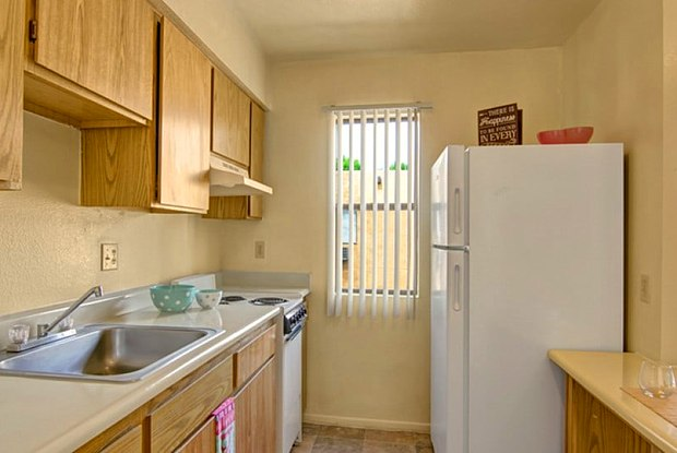 Vista Montana Apartments - 734 E Roger Rd, Tucson, AZ 85719