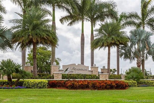 787 NE 193rd Ter - 787 Northeast 193rd Terrace, Ives Estates, FL 33179