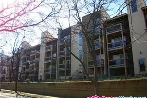 4524 Holly St - 4524 Holly Street, Kansas City, MO 64111