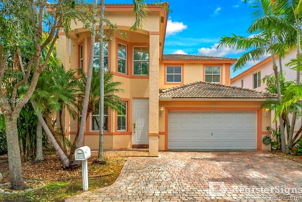 218 SE 15th St ap 218 - 218 Southeast 15th Street, Dania Beach, FL 33004