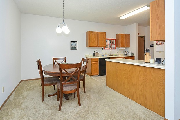 France 98 Apartments - 9810 Drew Ave S, Bloomington, MN 55431