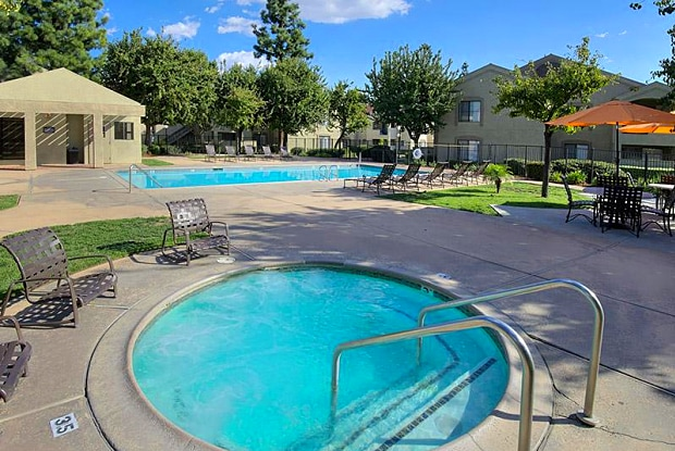 Estancia Apartments - 1720 E D St, Ontario, CA 91764
