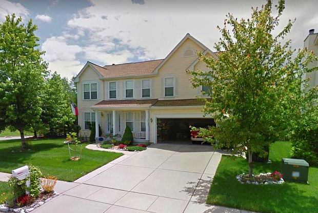 930 HOLLIDAY Drive - 930 Holliday Dr, Fairview Heights, IL 62208