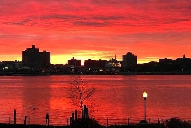 Mariners Landing - 312 Portside Dr, Edgewater, NJ 07020