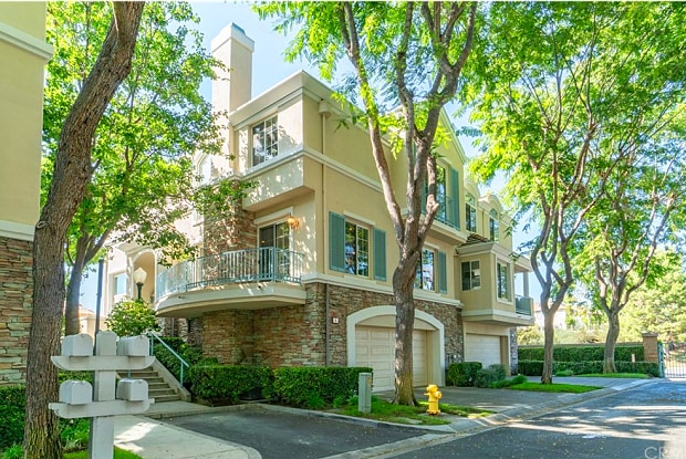 4 Saint Pierre - 4 Saint Pierre, Newport Beach, CA 92657