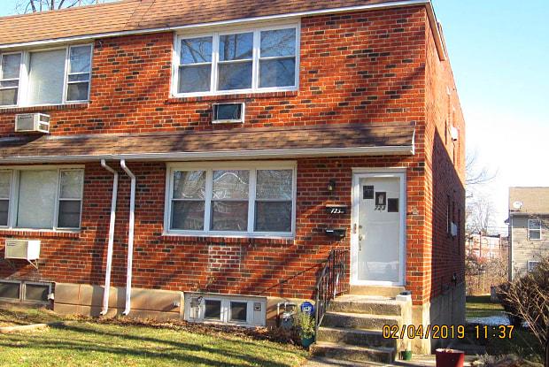 723 BELAIR CIR #1 - 723 Belair Cir, Norristown, PA 19401