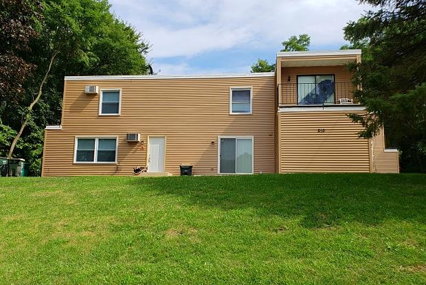 210 South Adams Street - 210 South Adams Street, Oswego, IL 60543