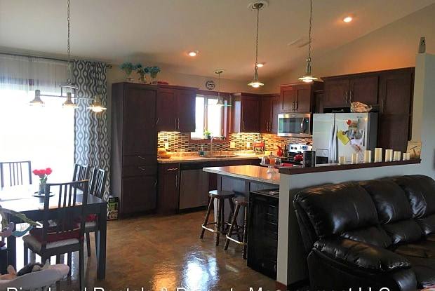 4103 145th St - 4103 Buttenhoff St, Lake Hallie, WI 54729
