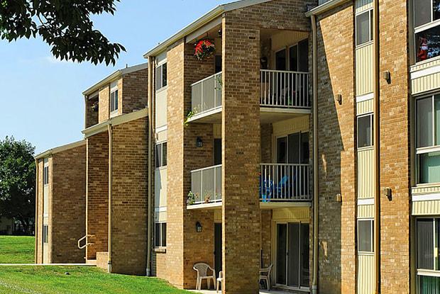 Top Field Apartments - 10701 Cardington Way, Cockeysville, MD 21030