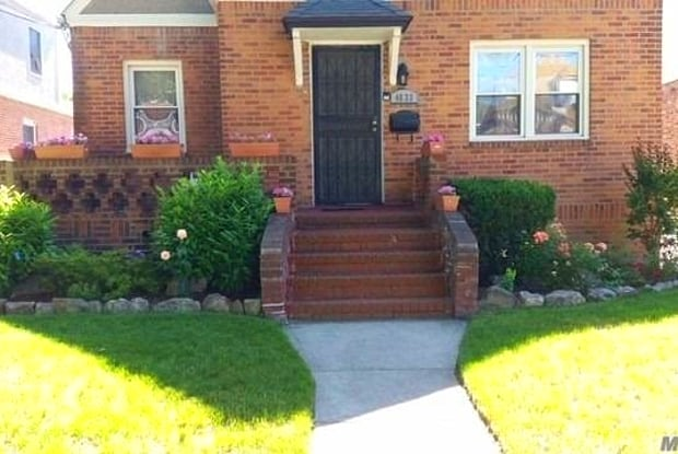 46-33 158th - 46-33 158th Street, Queens, NY 11358