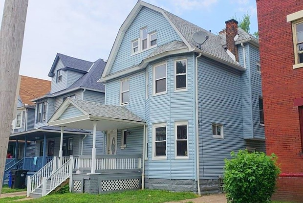 1225 E 113th St - 1225 East 113th Street, Cleveland, OH 44108
