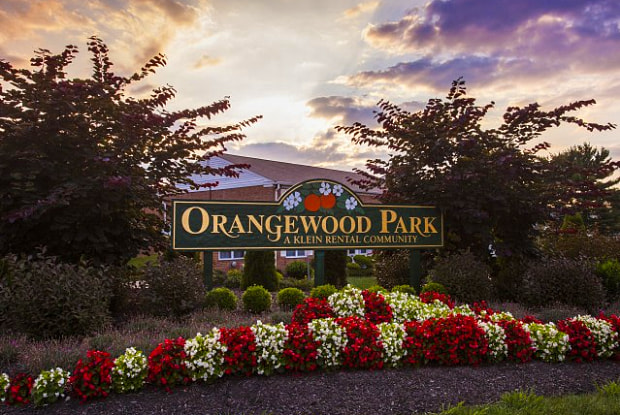 Orangewood Park - 24 Elizabeth Ln, Levittown, PA 19057