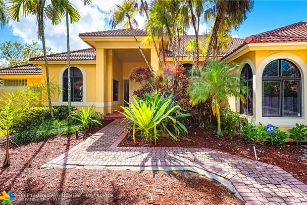 1215 Manor Ct - 1215 Manor Court, Weston, FL 33326