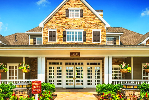 The Hamptons at Hunton Park - 3100 Stone Arbor Ln, Glen Allen, VA 23059
