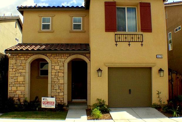 6179 E Peruna Way - 6179 E Peruna Way, Fresno, CA 93727