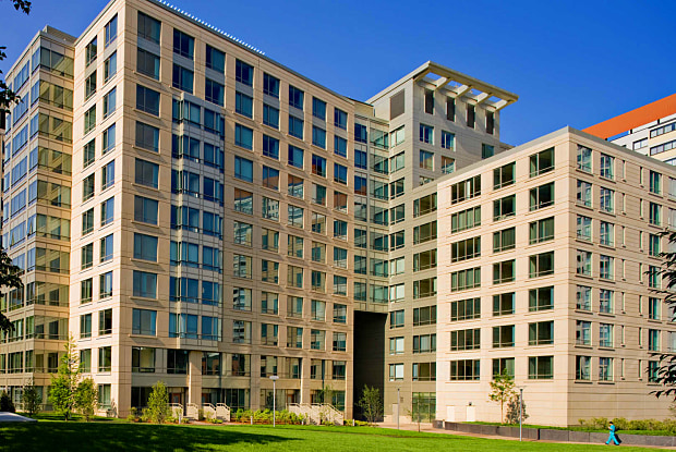 The West End Apartments-Asteria, Villas and Vesta - 4 Emerson Pl, Boston, MA 02114