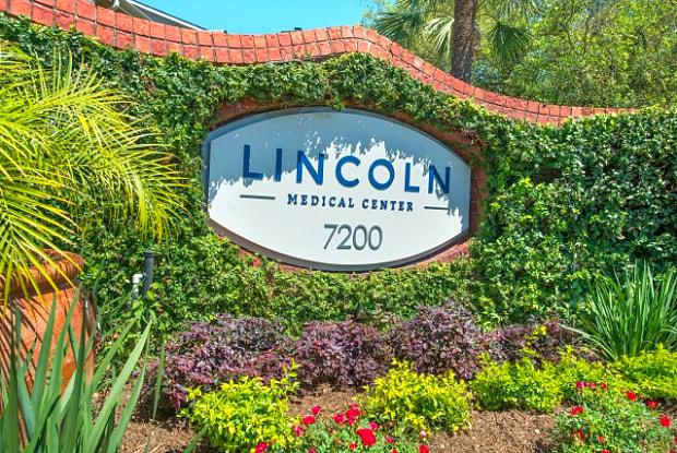 Lincoln Medical Center - 7200 Almeda Rd, Houston, TX 77054