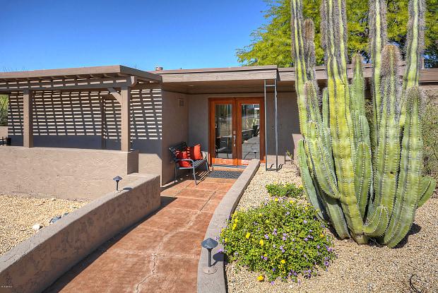 1039 E Boulder Drive - 1039 East Boulders Parkway, Scottsdale, AZ 85266