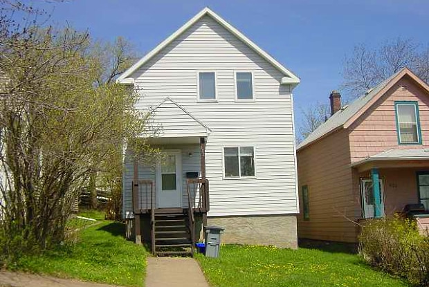 622 N 11th Ave E - 622 North 11th Avenue East, Duluth, MN 55805