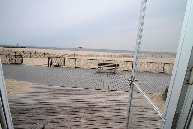 14 Minard Place - 14 Minard Place, Point Pleasant Beach, NJ 08742