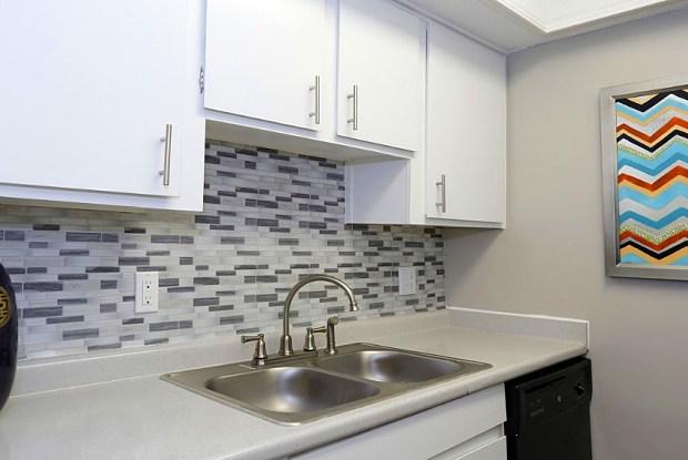 Monument Square Apartments - 1551 Sam Rittenberg Blvd, Charleston, SC 29407