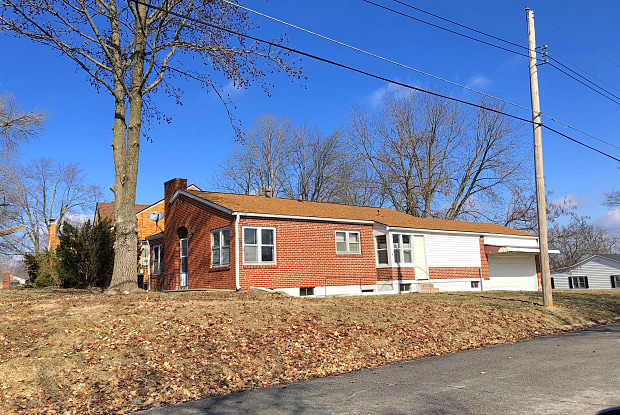 1124 11TH STREET - 1124 11th Street, Boonville, MO 65233