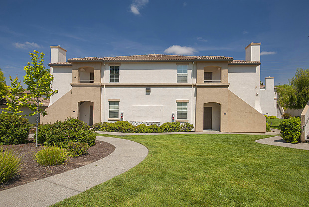 Bridges At Woodcreek Oaks - 7950 Foothills Blvd, Roseville, CA 95747