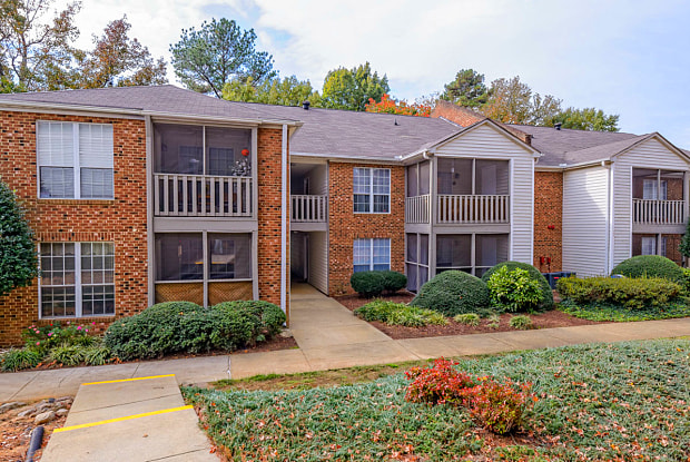 Madison Hunters Glen - 100 Hunt Club Ln, Raleigh, NC 27606