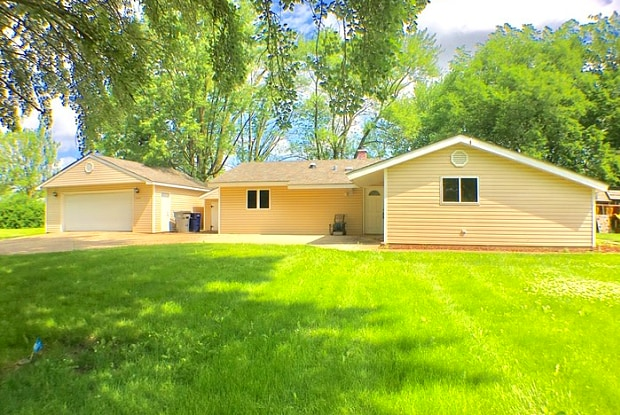 8840 West 164th Street - 8840 W 164th St, Orland Park, IL 60462