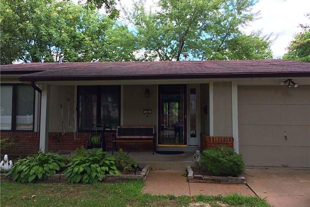 738 Woodlawn Avenue - 738 N Woodlawn Ave, Kirkwood, MO 63122