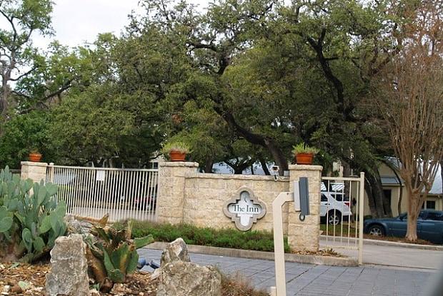 8700 Post Oak Ln - 8700 Post Oak Lane, San Antonio, TX 78217